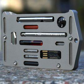 Jackfish: Credit Card Holder / Survival Multitool